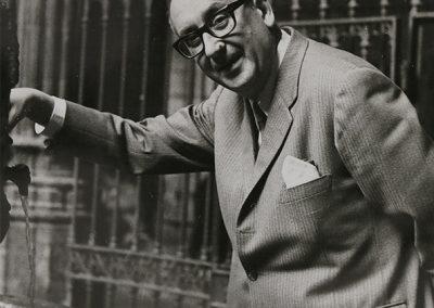 Álvaro Cunqueiro en un momento de su viaje a Bretaña en 1963