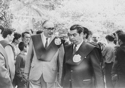 Cunqueiro con su amigo Néstor Luján en la Festa do Albariño de 1963