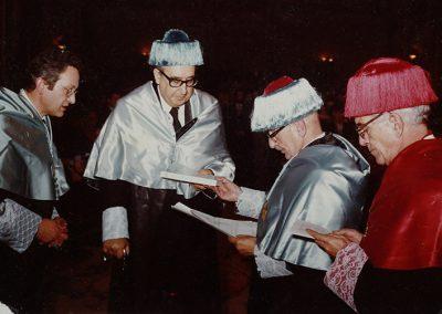 Ceremonia de entrega del Doctorado Honoris Causa por la Universidad de Santiago de Compostela, en el año 1980